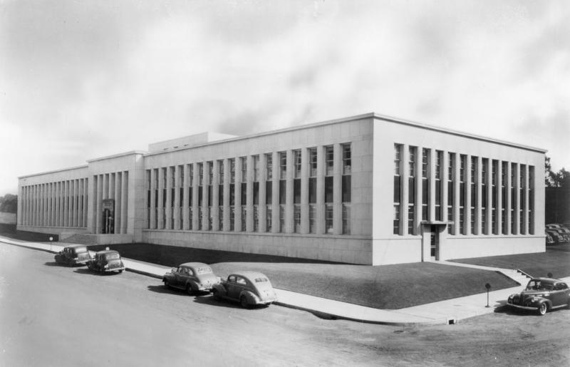Building 21, 900 Fauquier (now Bush) Avenue, completed in 1940.