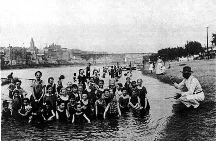 Sunbeam Band swimming at Harriet Island