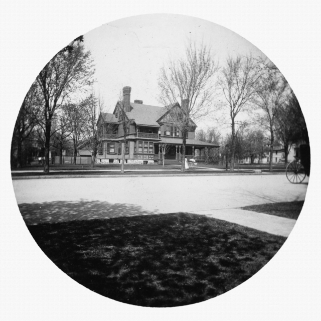 353 Summit Avenue circa 1895