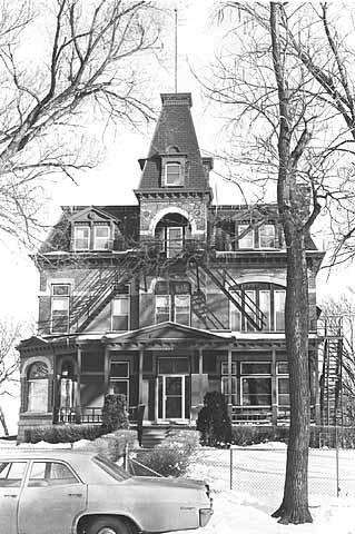 Frederick Banholzer house